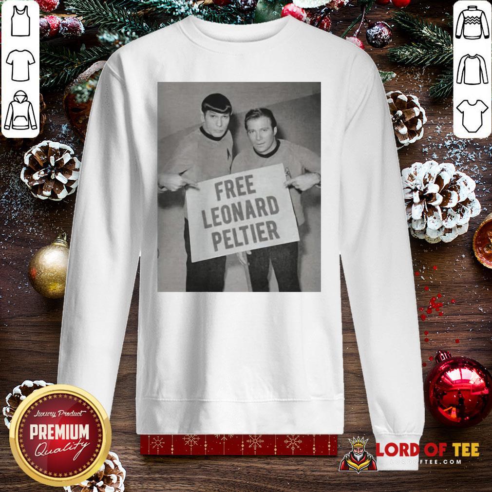 Nice Star Trek Peltier Free Leonard Peltier SweatShirt