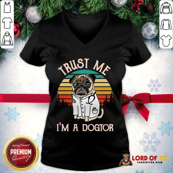 Original Trust Me I'm A Dogtor Vintage V-neck