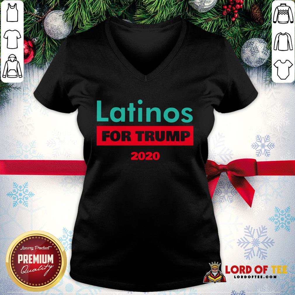 Premium Latinos For Trump 2020 V-neck