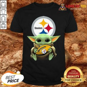 Pretty Star Wars Baby Yoda Hug Pittsburgh Steelers Shirt
