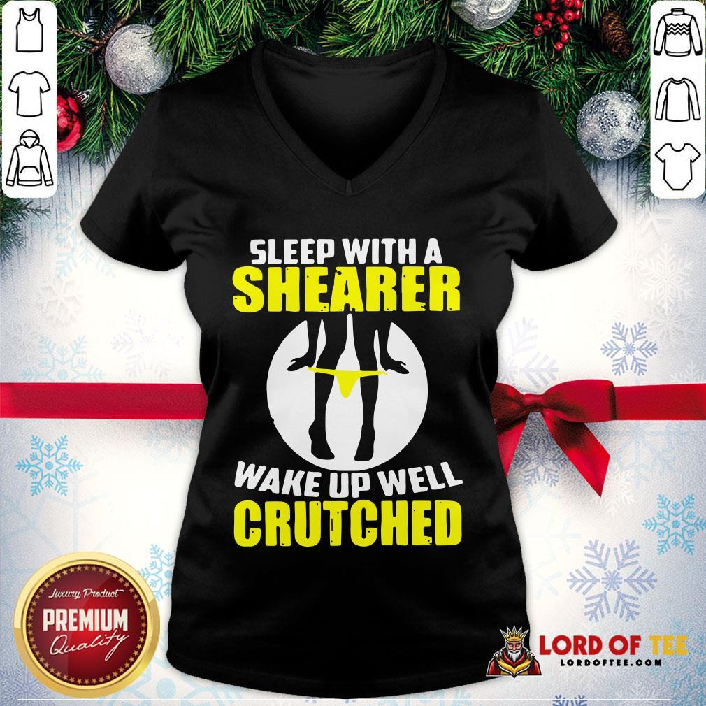 Top Sleep With A Shearer Wake Up Well Crutched V-neck