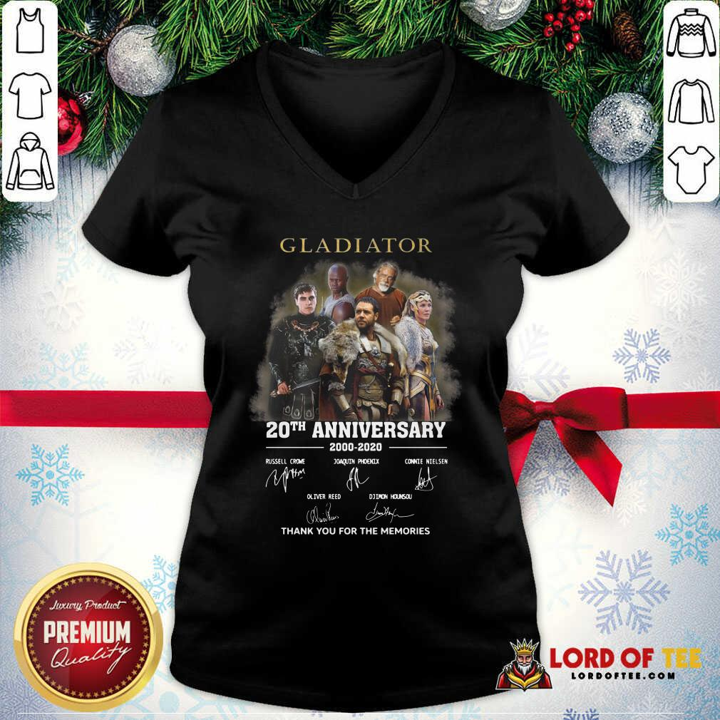 Gladiator 20th Anniversary 2000 2020 Thank You For The Memories Signatures V-neck - Desisn By Lordoftee.com