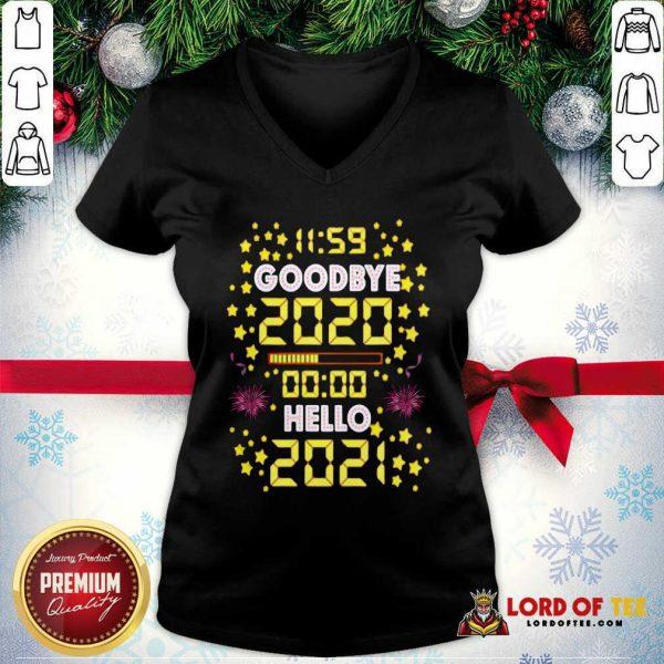 11 59 Goodbye 2020 00 00 Hello 2021 Happy New Year V-neck - Desisn By Lordoftee.com