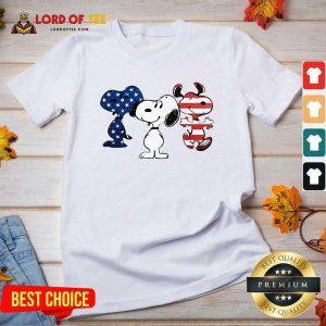 Snoopy American Flag Version V-neck - Desisn By Lordoftee.com