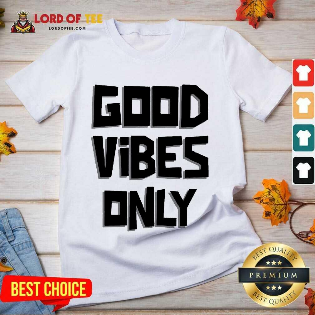 Pretty Coconut Tree Good Vibes Only V-Neck