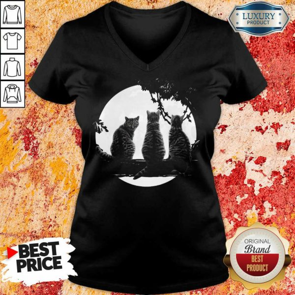 Excellent Three Cats Under The Moon V-neck